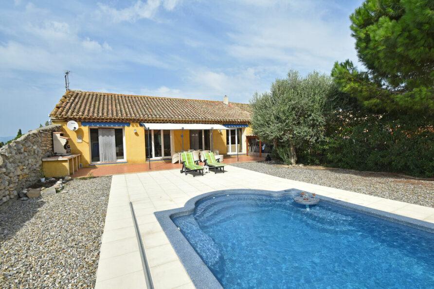 Ruime villa in Marseillette met privézwembad